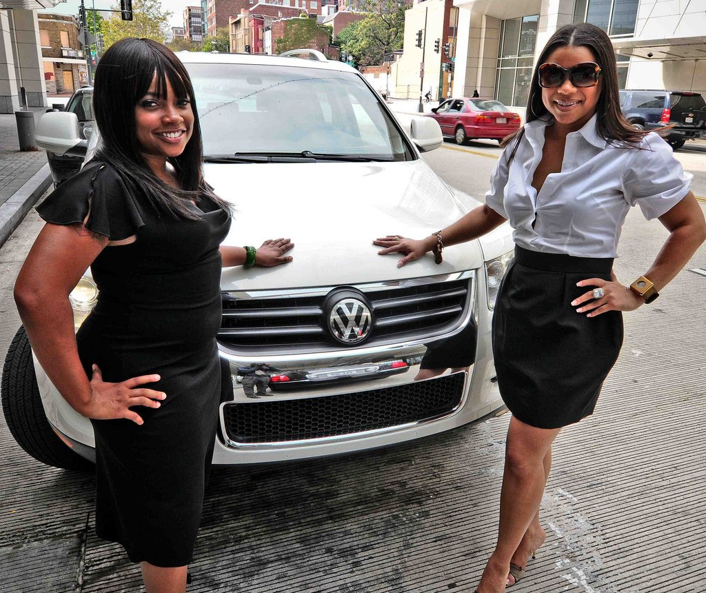 Young Entrepreneur Members Alycia and Erica Shannon