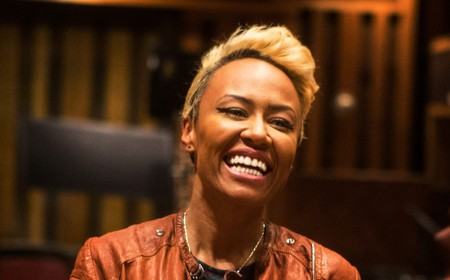 Emeli Sandé honored at ESSENCE Black Women in Music with the Lincoln Motor Company
