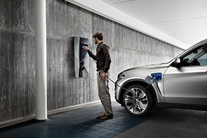 BMW-Concept-X5-Plug-in-plugs_inline