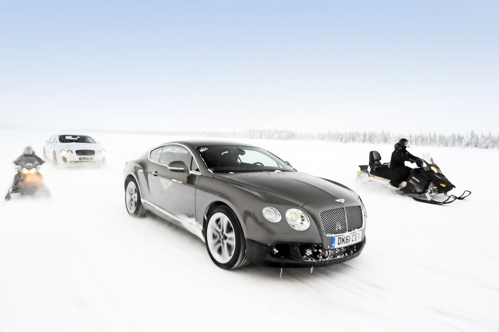 BENTLEY-CONTINENTAL-GT3-R-on-ice