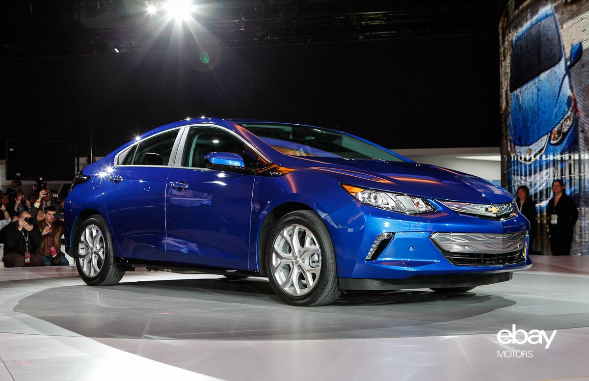 chevrolet electrifies crowd with 2016 volt at naias automotive rhythms. Black Bedroom Furniture Sets. Home Design Ideas