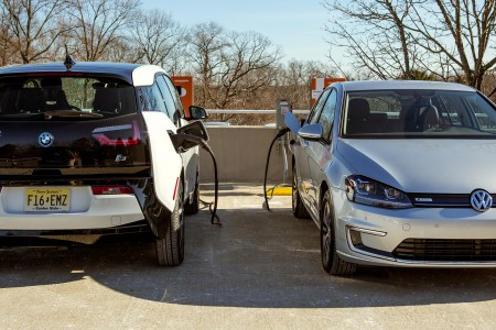 VOLKSWAGEN, BMW AND CHARGEPOINT ANNOUNCE INITIATIVE TO CREATE ELECTRIC VEHICLE EXPRESS CHARGING CORRIDORS ON THE EAST AND WEST COASTS