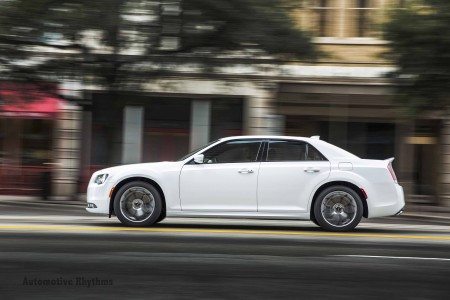 2015 Chrysler 300: Urban Elite at its Finest