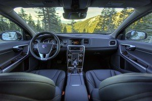 2015.5-Volvo-V60-Cross-Country...10