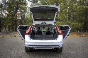 2015.5-Volvo-V60-Cross-Country...16