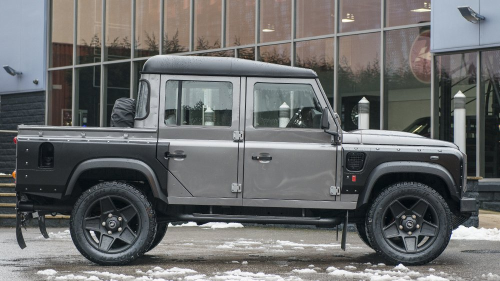 The Land Rover Defender 2 4 Tdci Xs 110 Double Cab Pickup