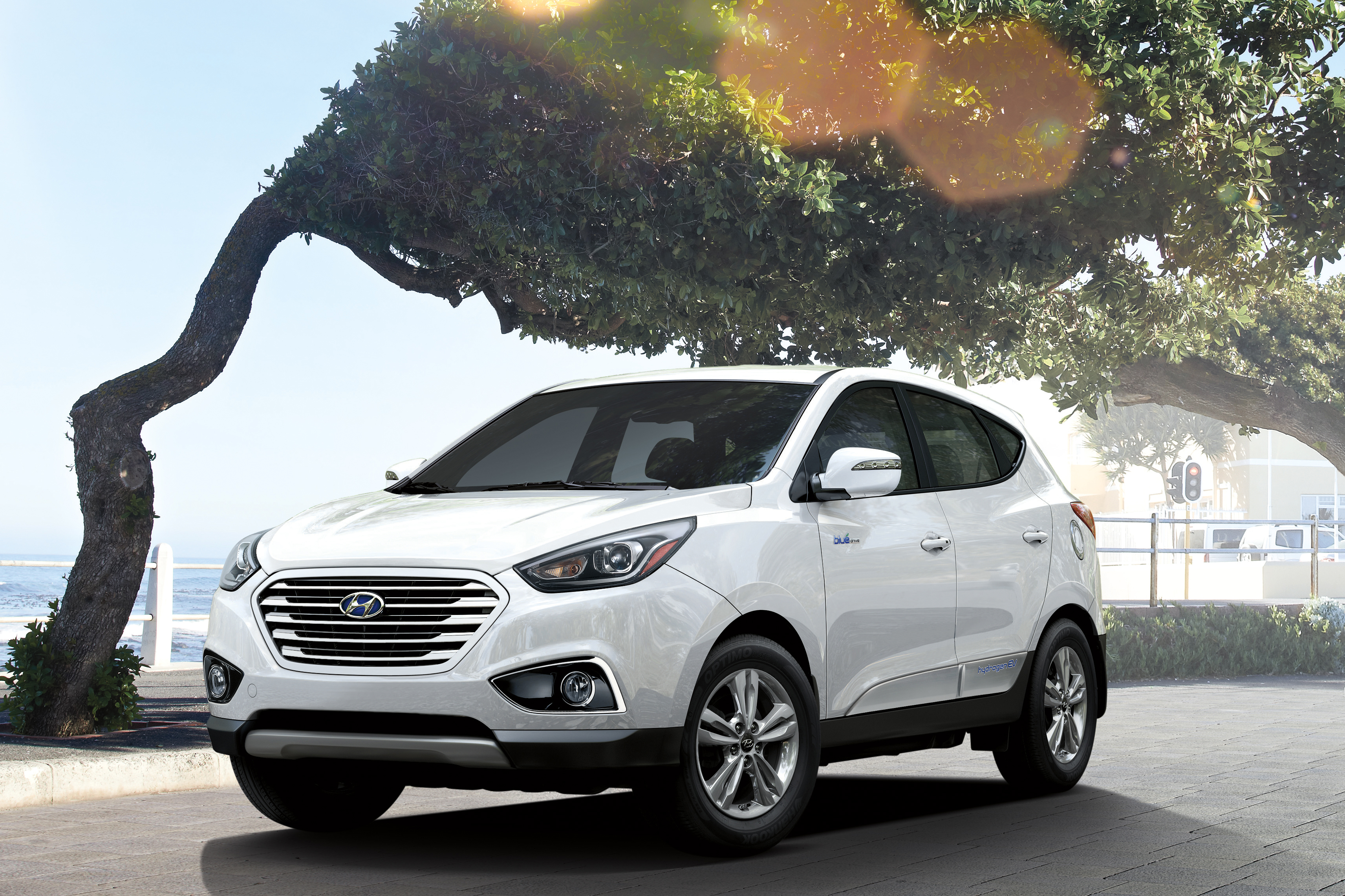 2016 hyundai tucson fuel cell zero emissions focused customers on deck automotive rhythms. Black Bedroom Furniture Sets. Home Design Ideas