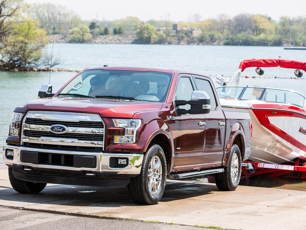 Ford, America's truck leader, pioneers towing innovation again by introducing Pro Trailer Backup Assist™ for the 2016 Ford F-150 – a segment-first technology that makes the challenge of backing up a trailer easier than ever for both experts and infrequent towers alike.