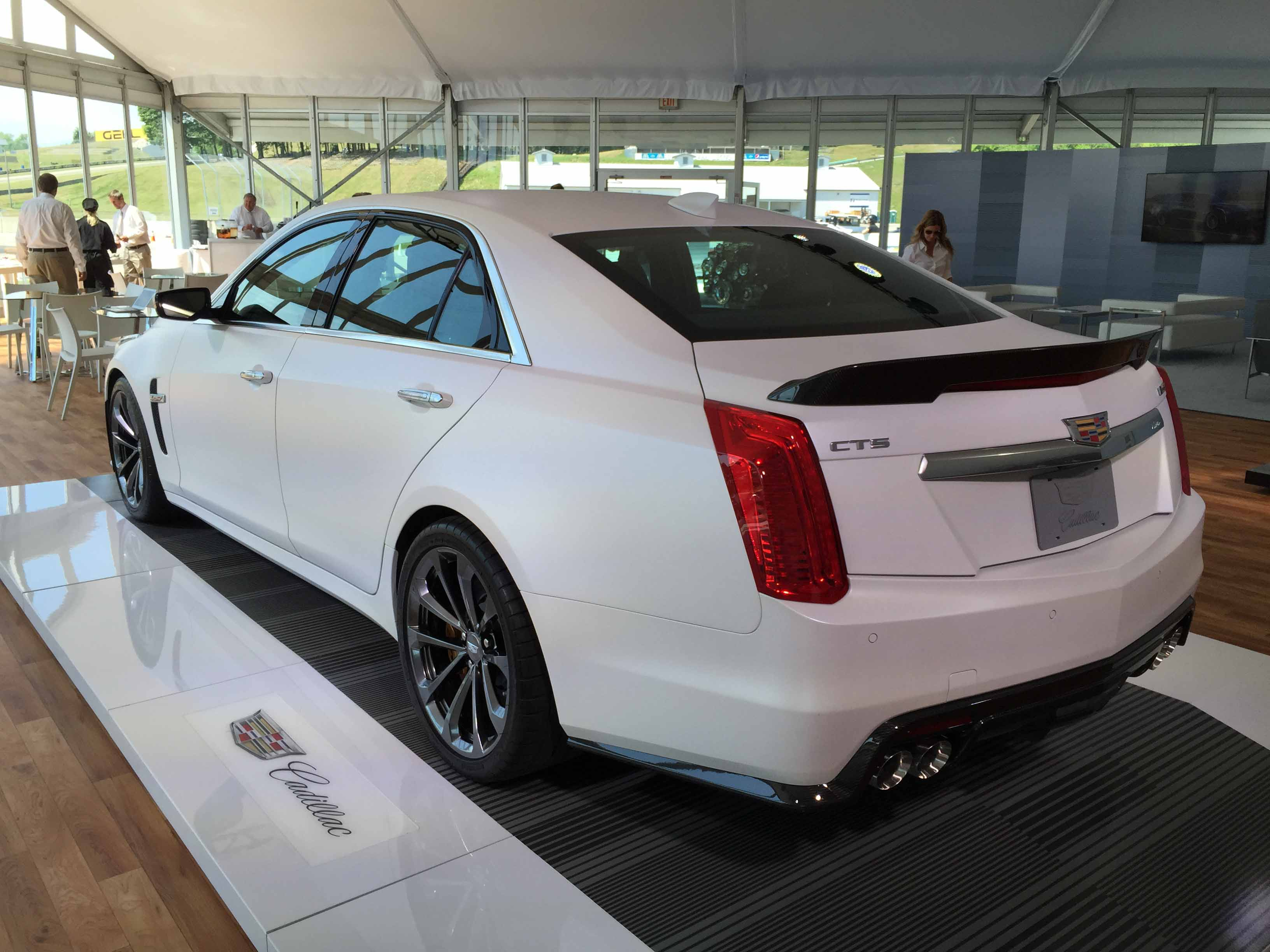 2016 cadillac cts v performance sedan seminal role player automotive rhythms. Black Bedroom Furniture Sets. Home Design Ideas