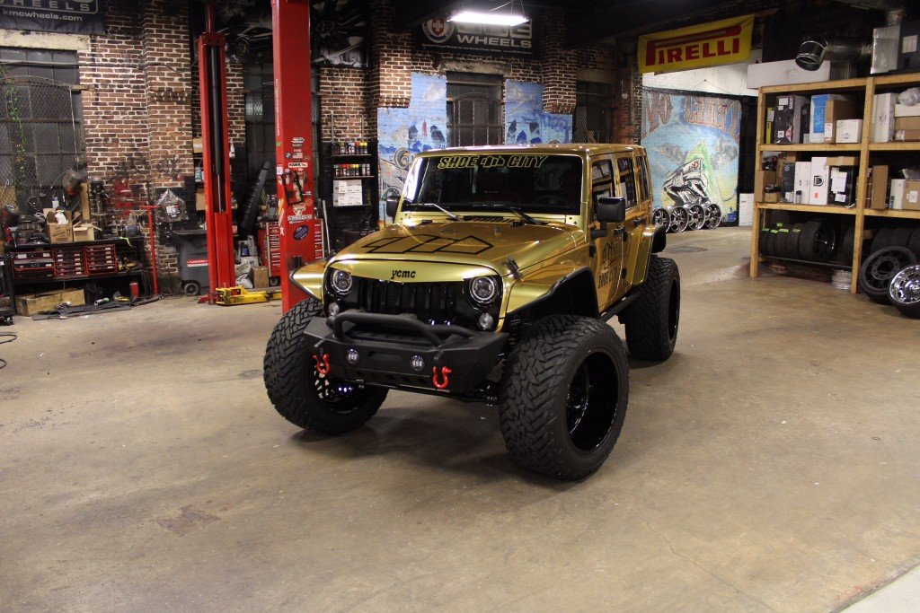 Custom_Shoe-City_Jeep_Wrangler_Sport_Unlimited_No-Limit_front