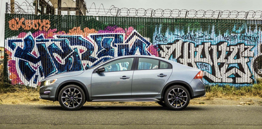 2016_Volvo_S60_Cross_Country...10