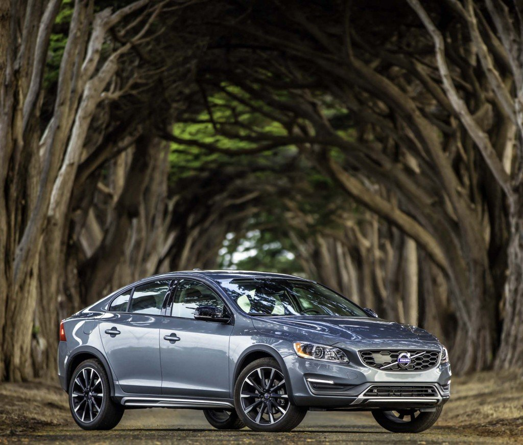 2016_Volvo_S60_Cross_Country...12