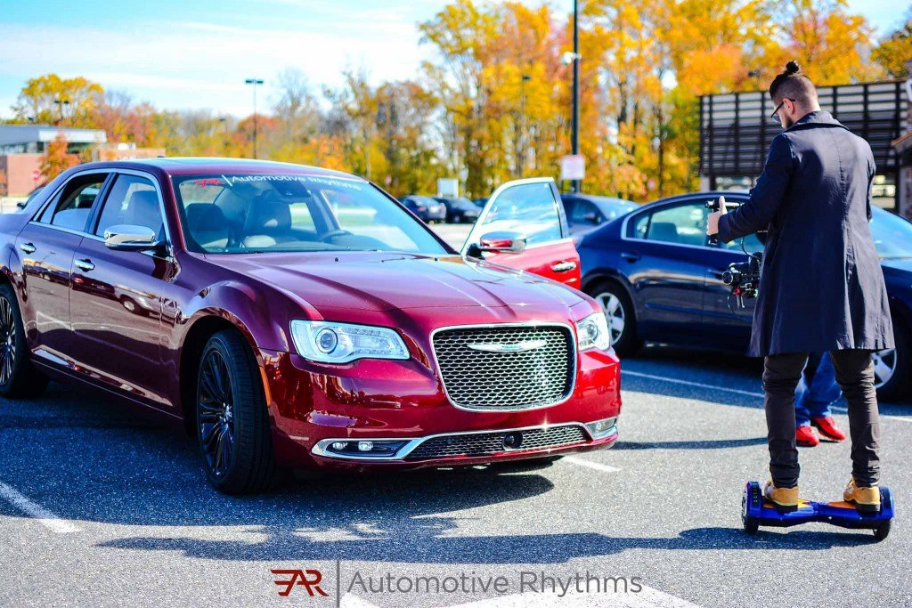2015_Chrysler_300C_Velvet_Red_Pearl_Mopar_Edition_02