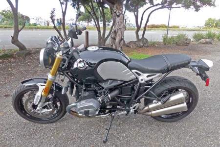 2015 BMW R nineT: A comfortable Sport Roadster for Two (or not)