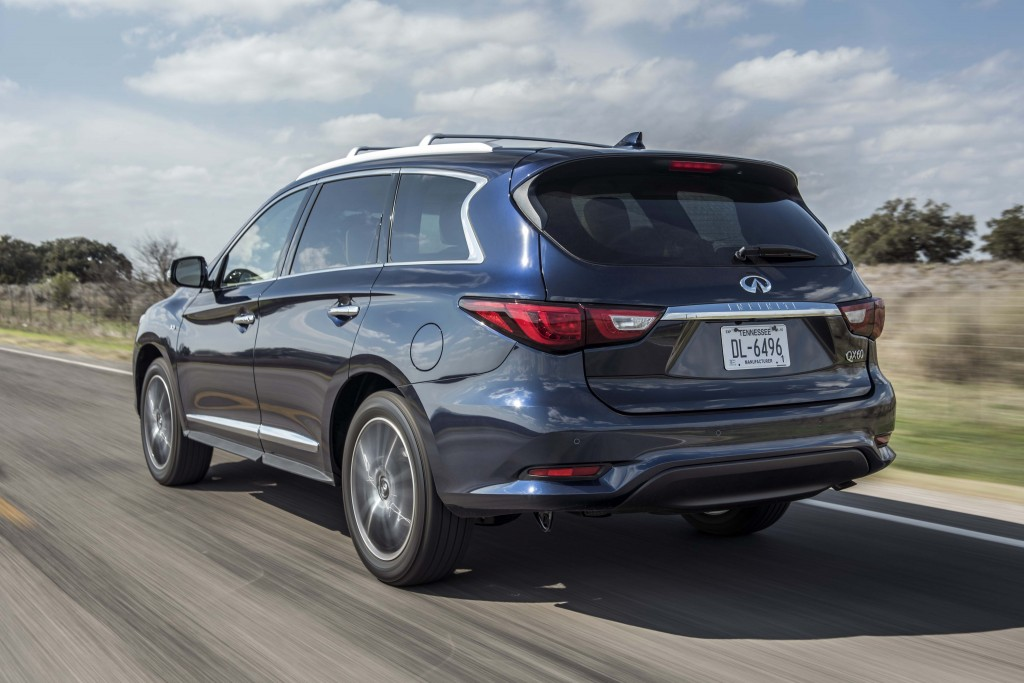 Infiniti has comprehensively enhanced its versatile QX60 premium crossover for 2016, introducing a wide range of changes that improve the seven-seater's exterior design and its driving dynamics, while showcasing new features and technologies that improve comfort, convenience and safety.