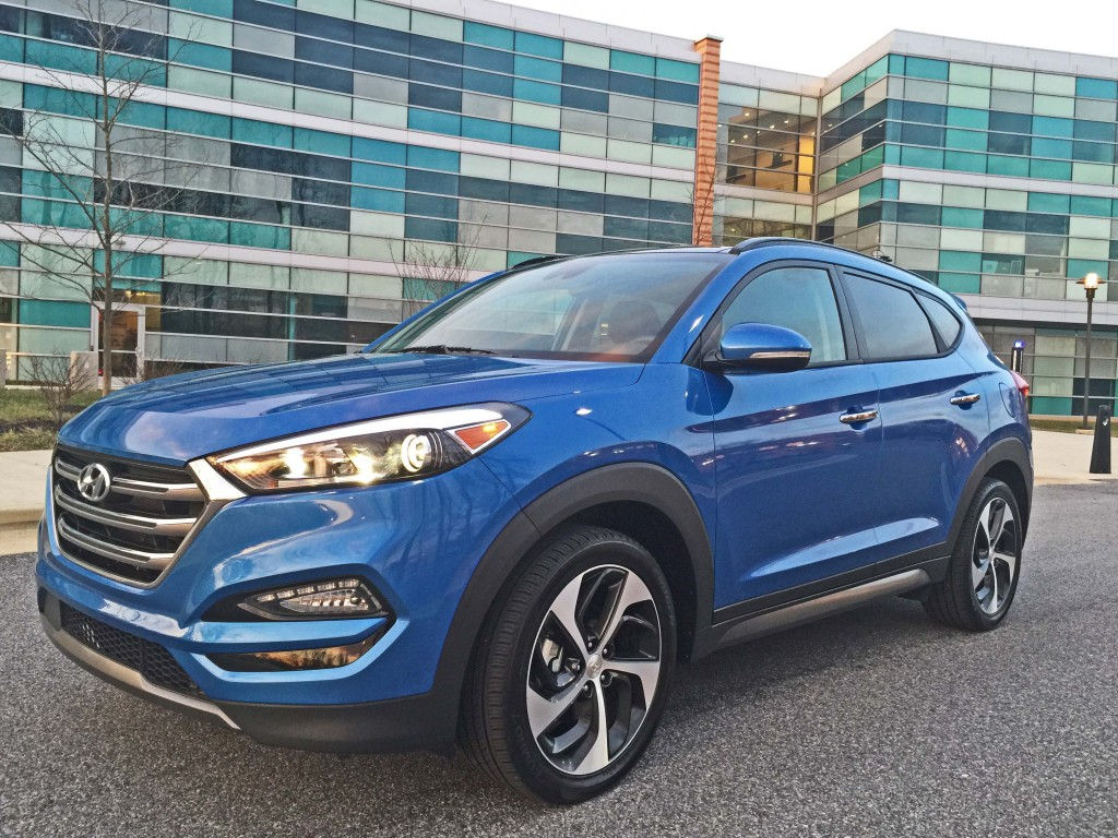 2016 hyundai tucson limited awd sporty nimble utility. Black Bedroom Furniture Sets. Home Design Ideas