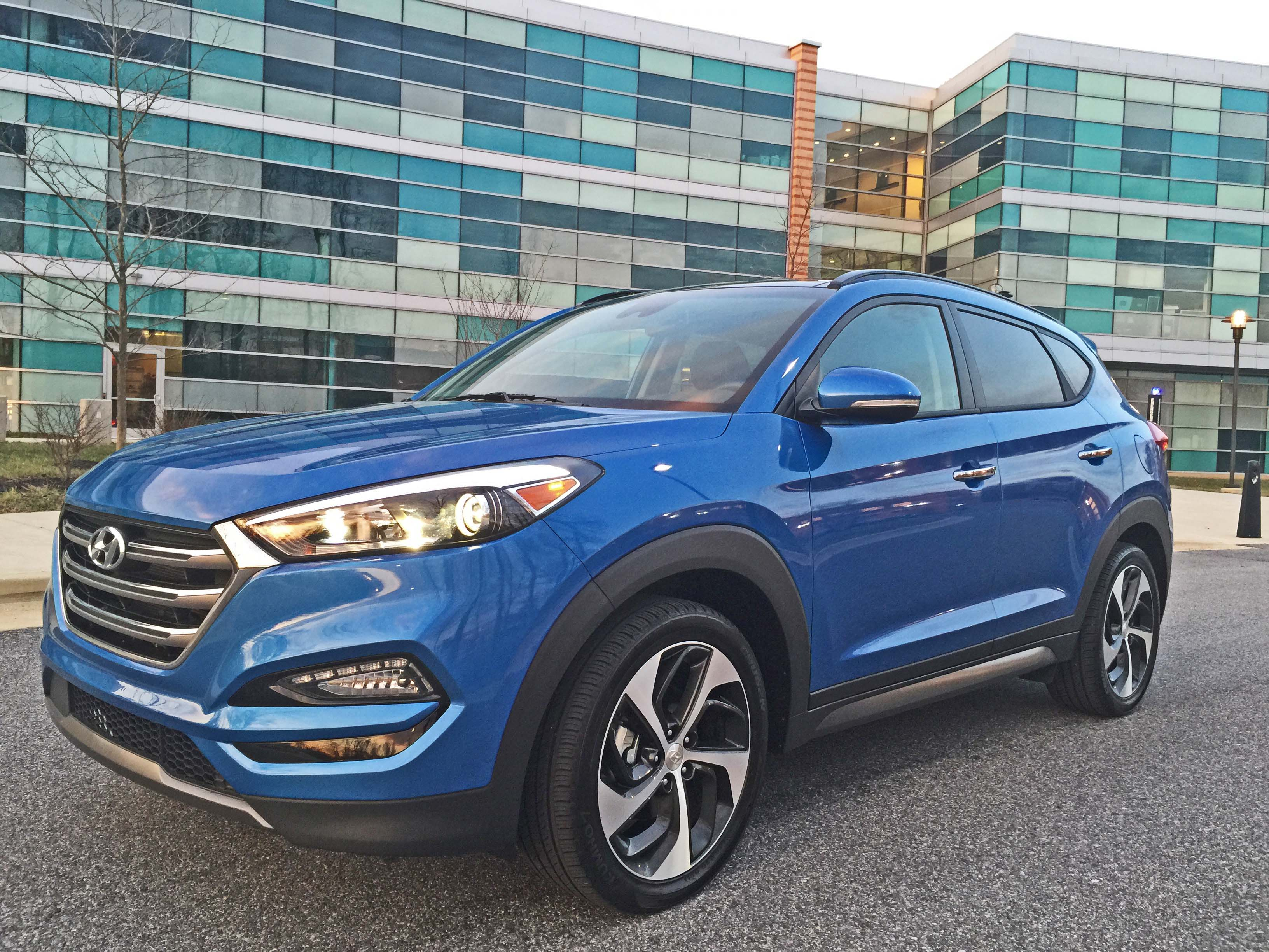 2016 hyundai tucson limited awd sporty nimble utility automotive rhythms. Black Bedroom Furniture Sets. Home Design Ideas
