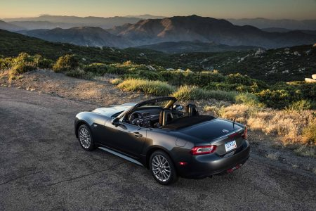 2017 Fiat 124 Spider: Quintessential Driving Pleasure