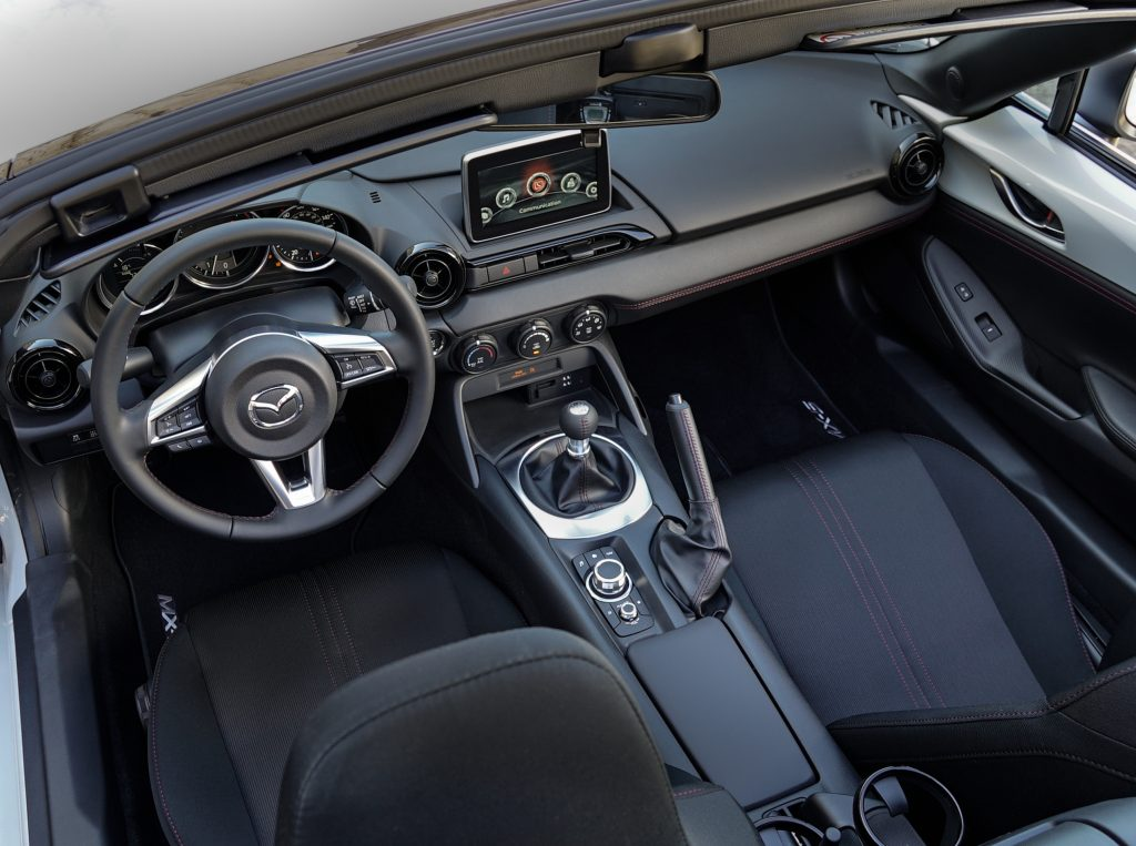 2016_mazda_mx5_club_interior