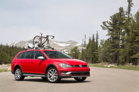 2017 Volkswagen Golf Alltrack: Adventure Awaits