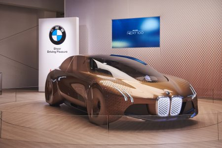 BMW VISION NEXT 100 Video & Gallery