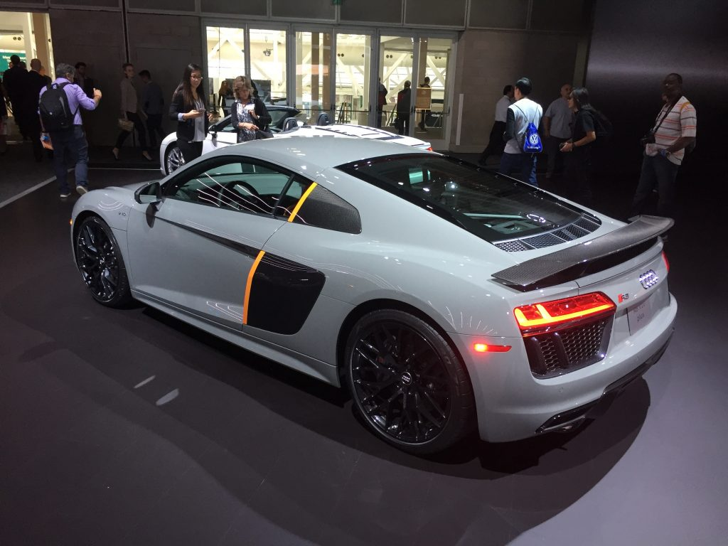 2017_audi_r8_v10_plus_exclusive_edition
