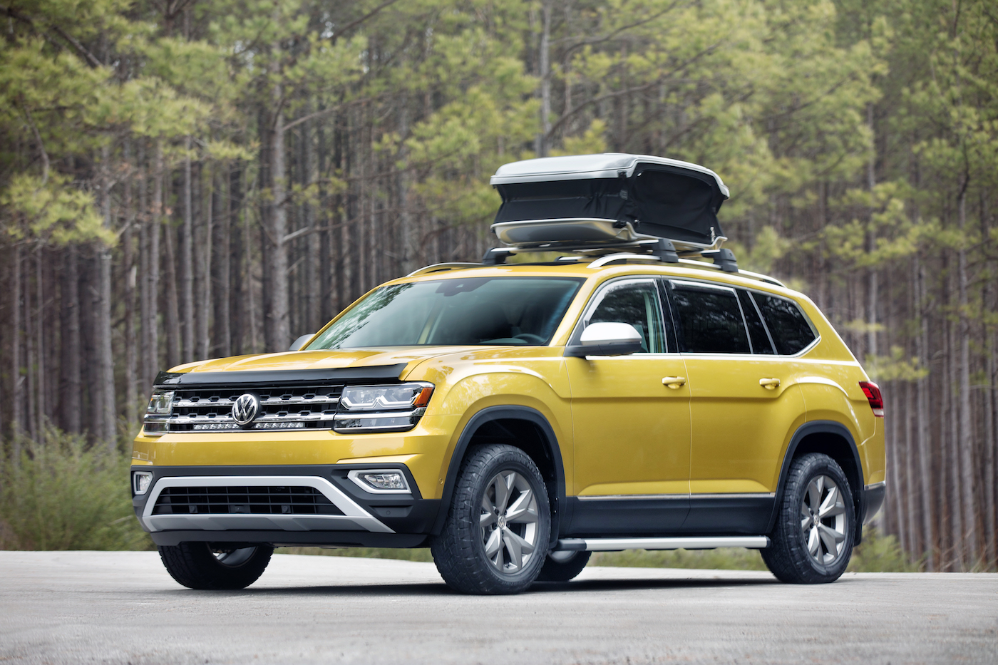 a stock show in the volkswagen auto february photo at golf display chicago on