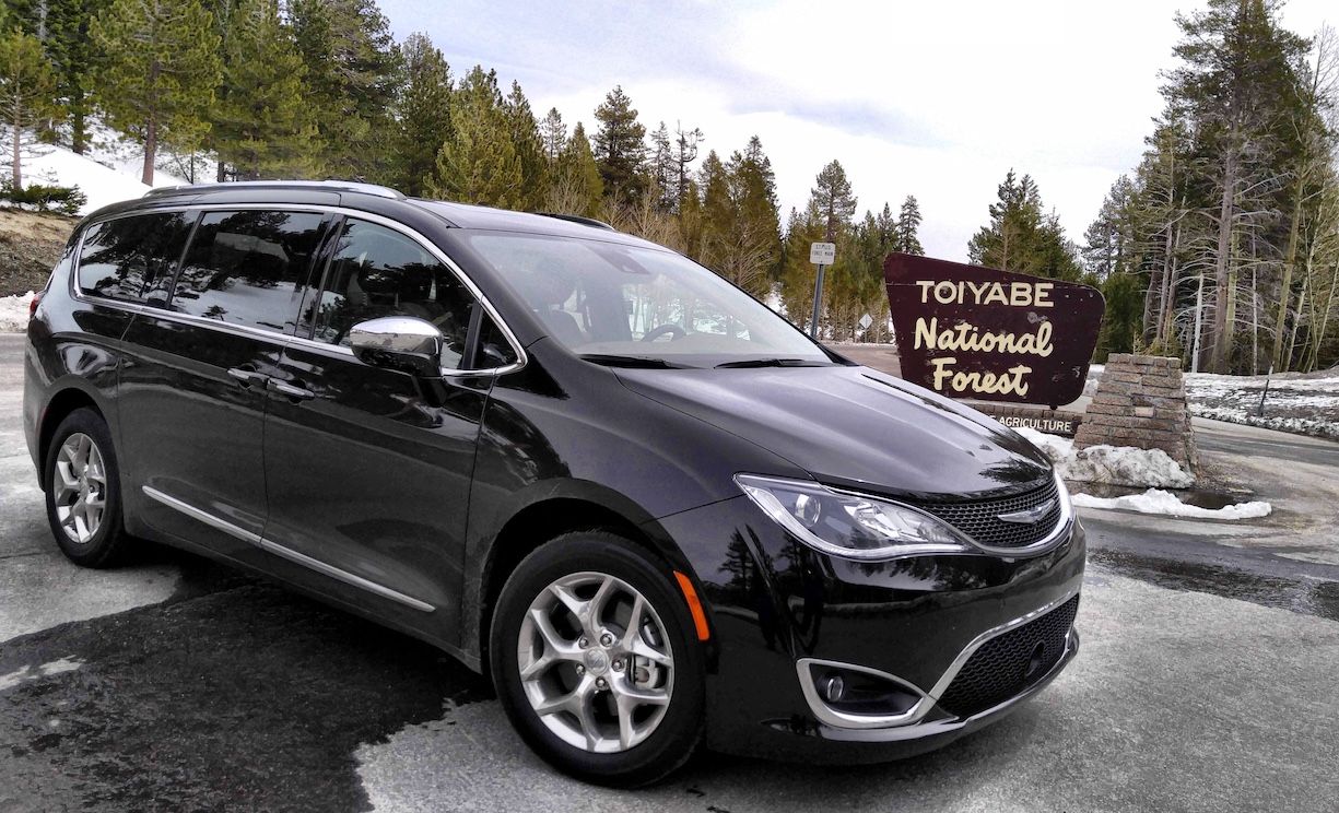 chrysler pacifica limited spring road trip strong family appeal automotive rhythms. Black Bedroom Furniture Sets. Home Design Ideas