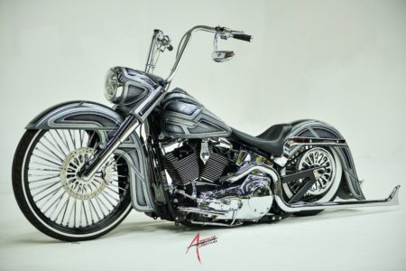 ART-of-Motion: Custom Harley-Davidson Softail
