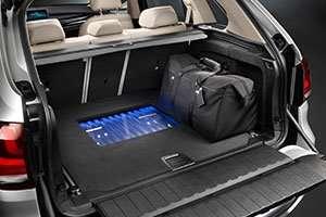 BMW-Concept-X5-Plug-in-trunk_inline