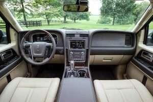 2015-Lincoln-Navigator-Cockpit