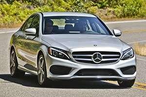 2015-Mercedes-Benz-C-Class-driving_inline