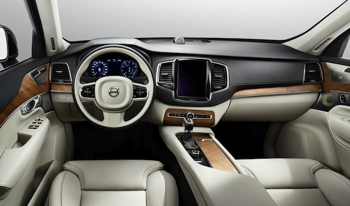 Volvo-XC90-Bowers-&-Wilkins-Audio-system-Interior_2