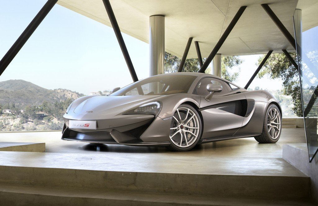 McLaren_570s_blade_silver_shot_06_hr_1