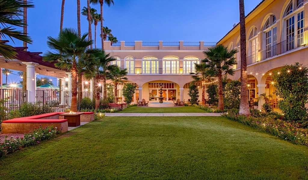San_Marco_Resort_Arizona_Crowne-Plaza-Courtyard