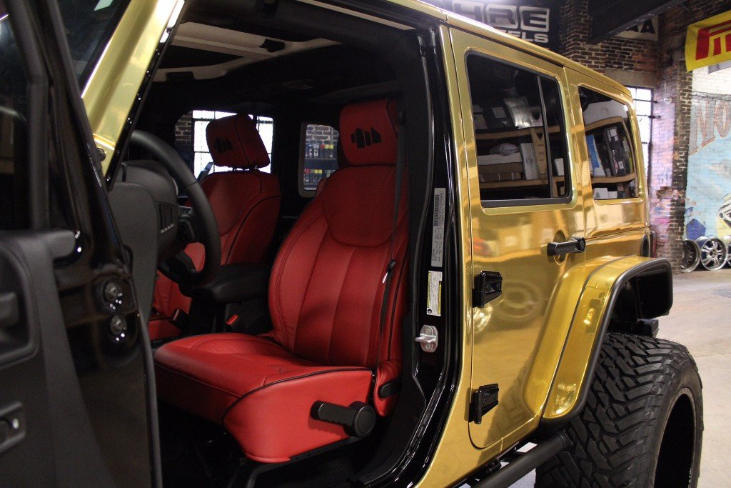 Custom_Shoe-City_Jeep_Wrangler_Sport_Unlimited_No-Limit_interior