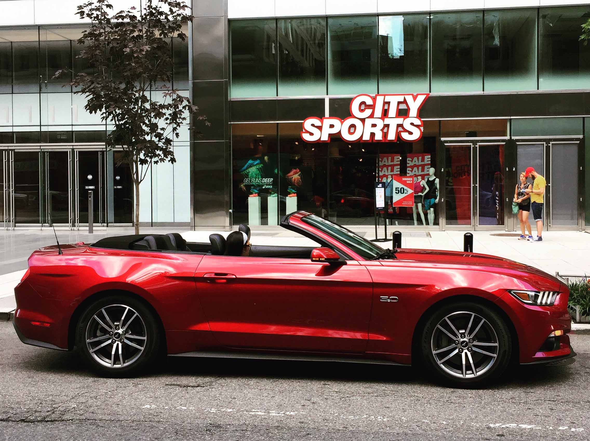 Exploring Washington Dc For A Day Touting The 2017 Ford Mustang Gt Convertible