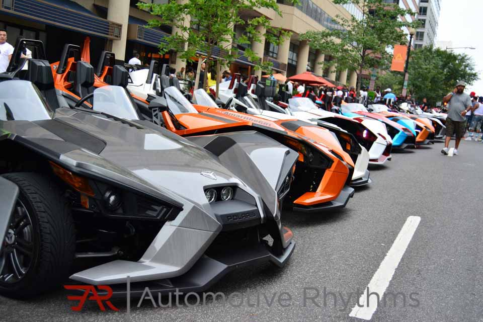 Polaris_Slingshot_Takeover_Throttle_Life...10