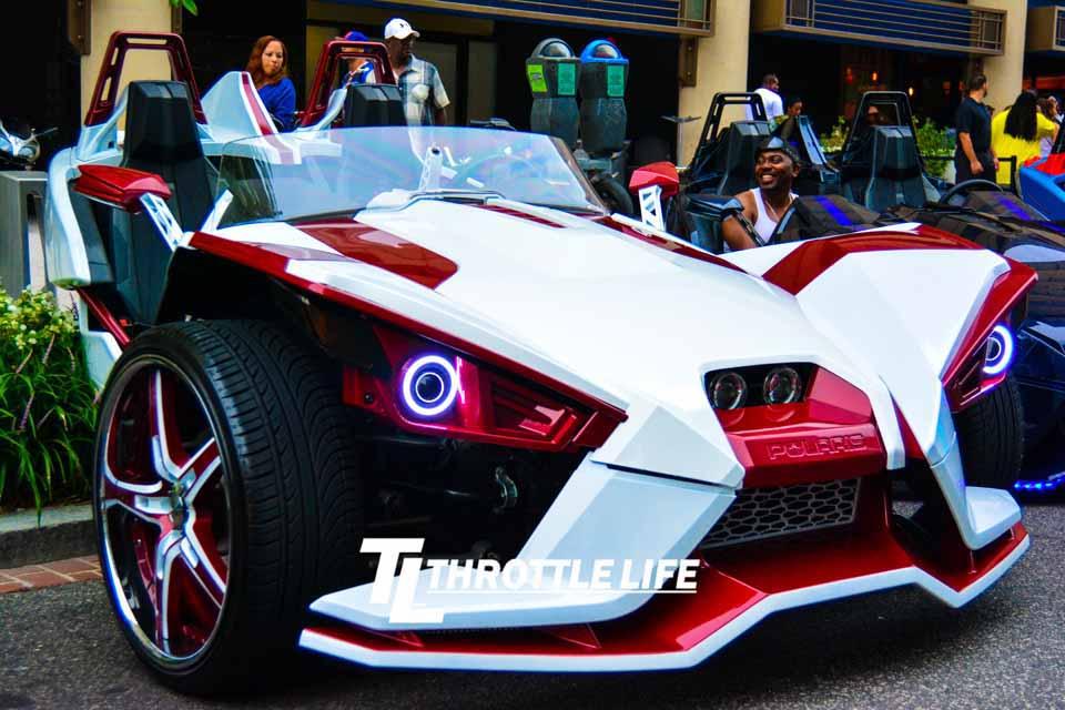 Polaris_Slingshot_Takeover_Throttle_Life...11