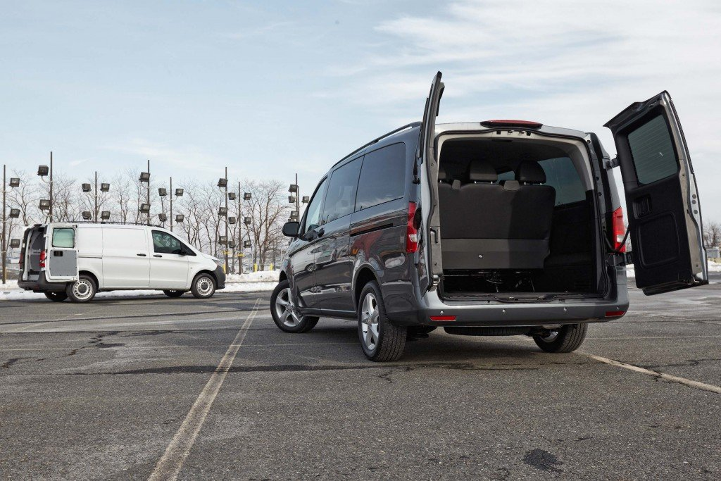 2016-Mercedes-Benz-Metris-City-Tour...12