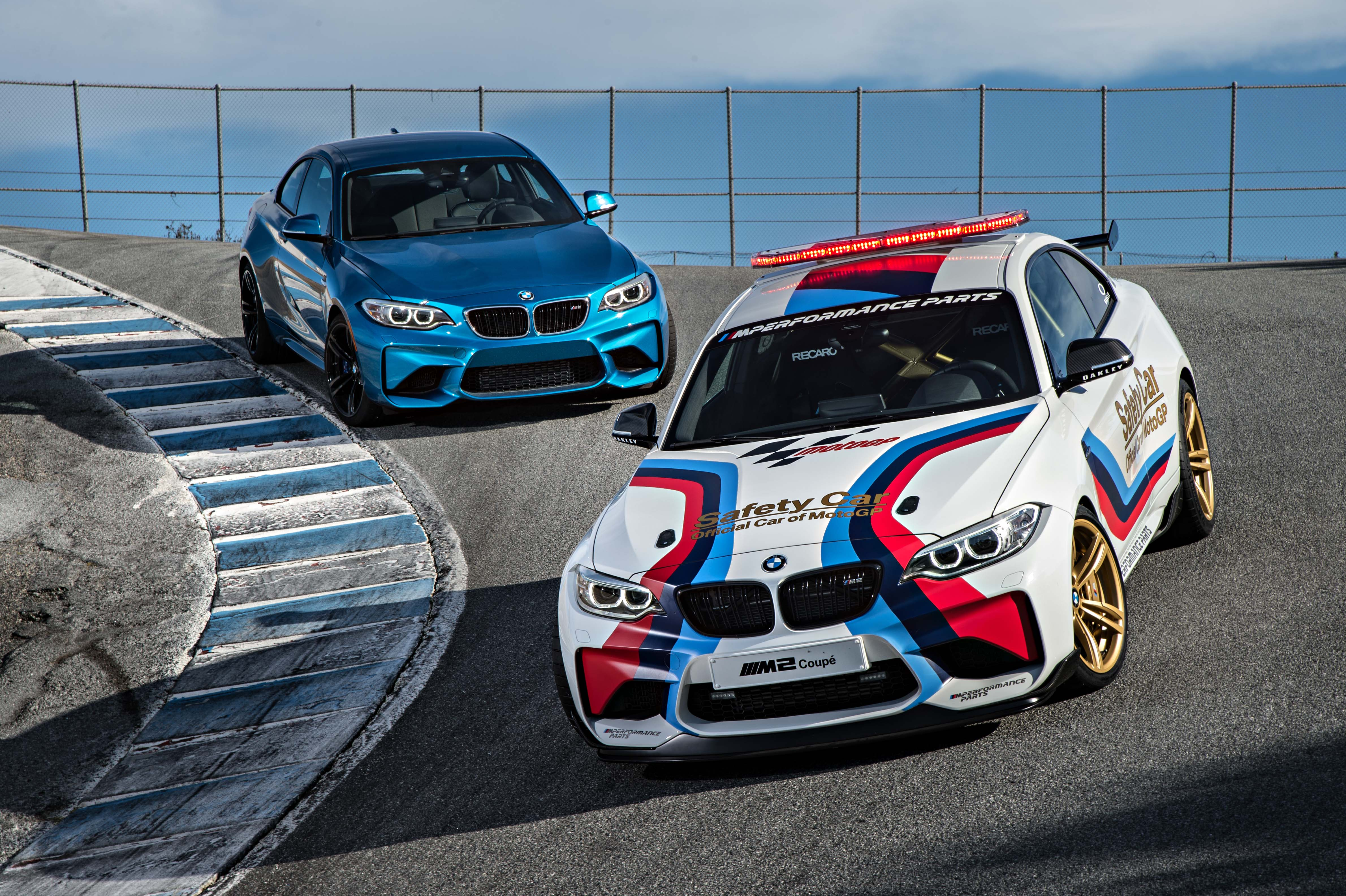 2016_BMW_M2_Coupe....31