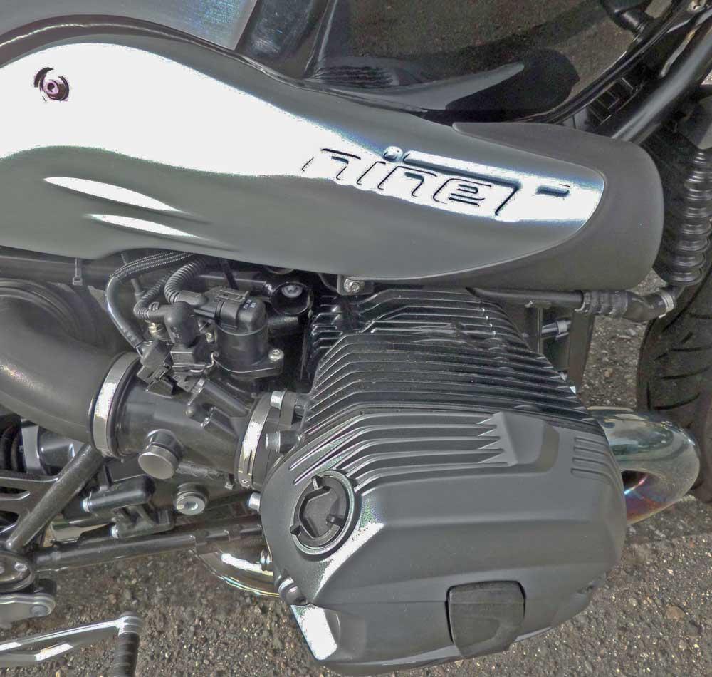 BMW-R-nineT-Logo