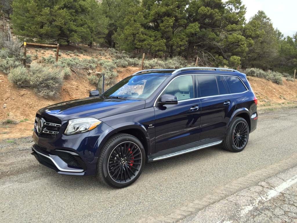 2017_Mercedes-Benz_GLS...24