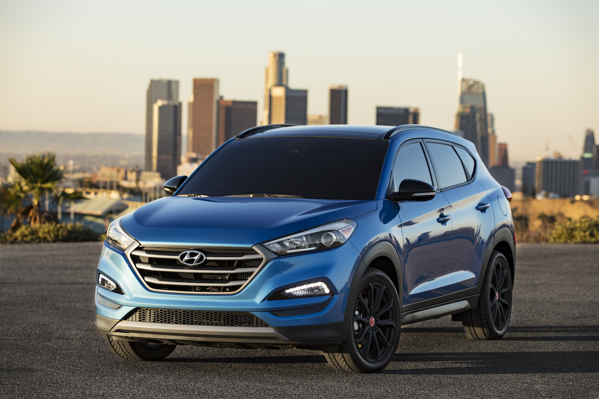 hyundai tucson night model at 2016 sema show. Black Bedroom Furniture Sets. Home Design Ideas