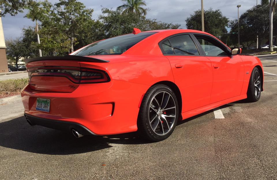 2016-dodge-charger-rt-scat-pack-rear