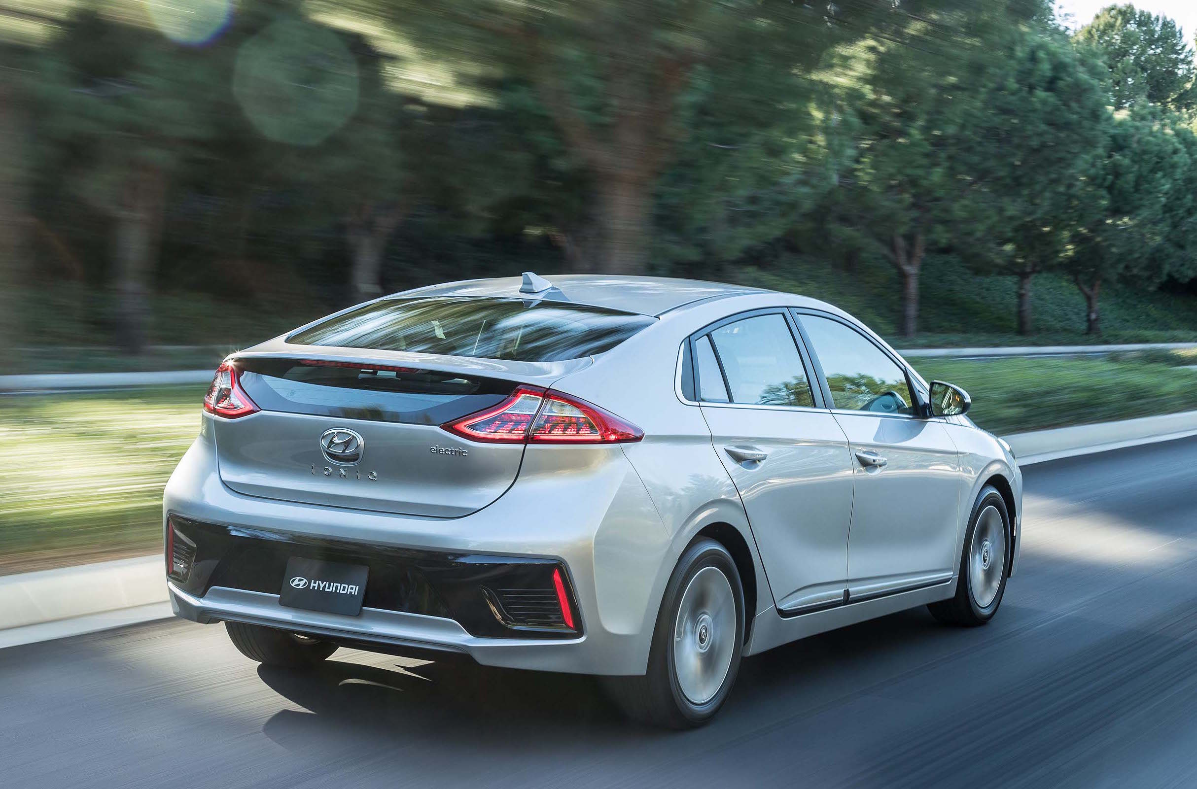 Most Importantly To Note Is That The Ioniq Plug In Hybrid Will Travel 27 Miles