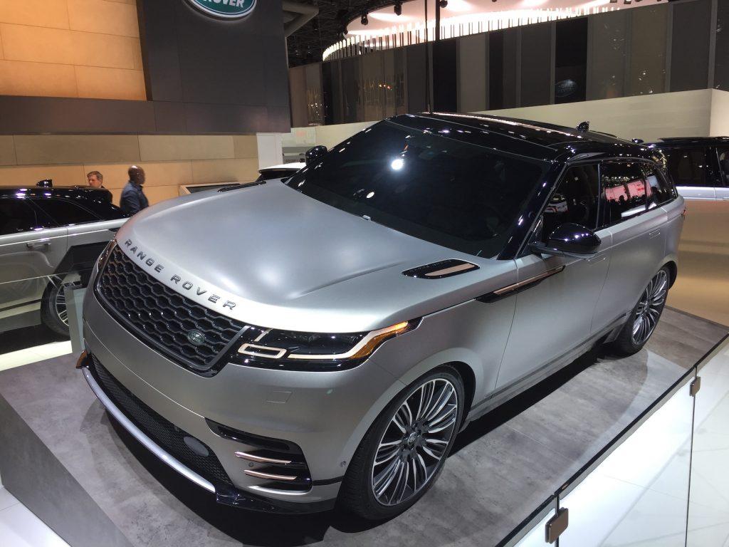 all new 2018 range rover velar automotive rhythms. Black Bedroom Furniture Sets. Home Design Ideas