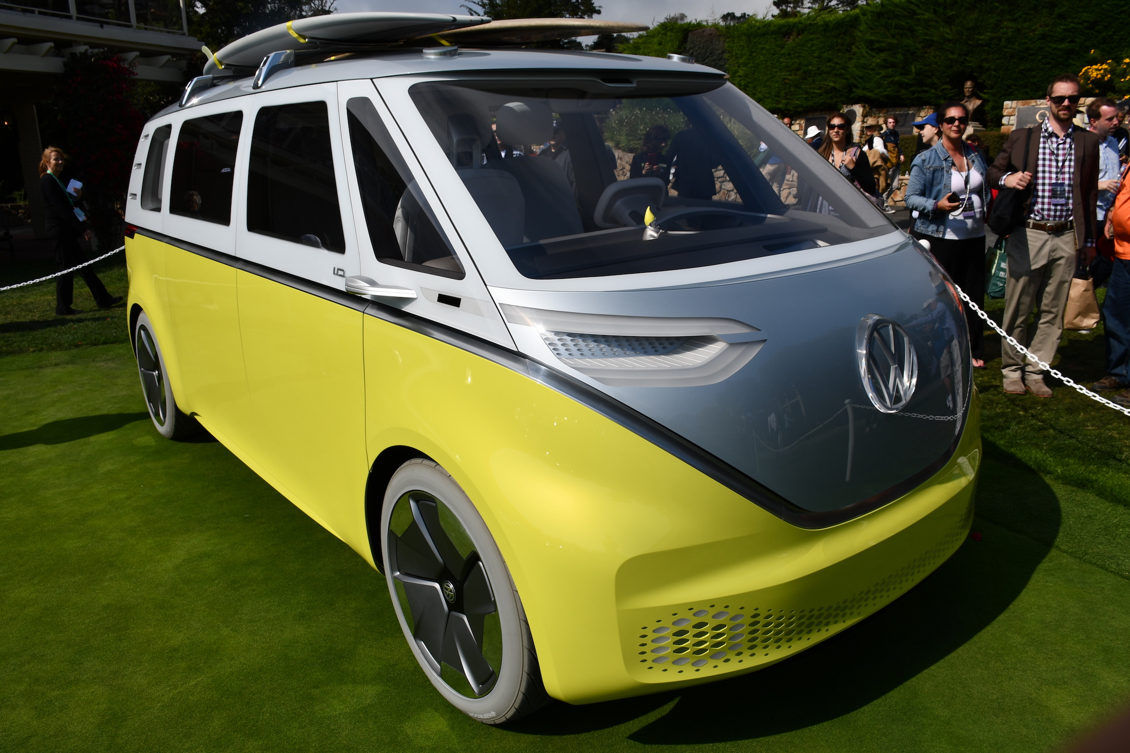 Driven By Por Demand Volkswagen Announced Today It Is Planning On Ing A Production Version Of The Award Winning I D Buzz Concept Electric Vehicle