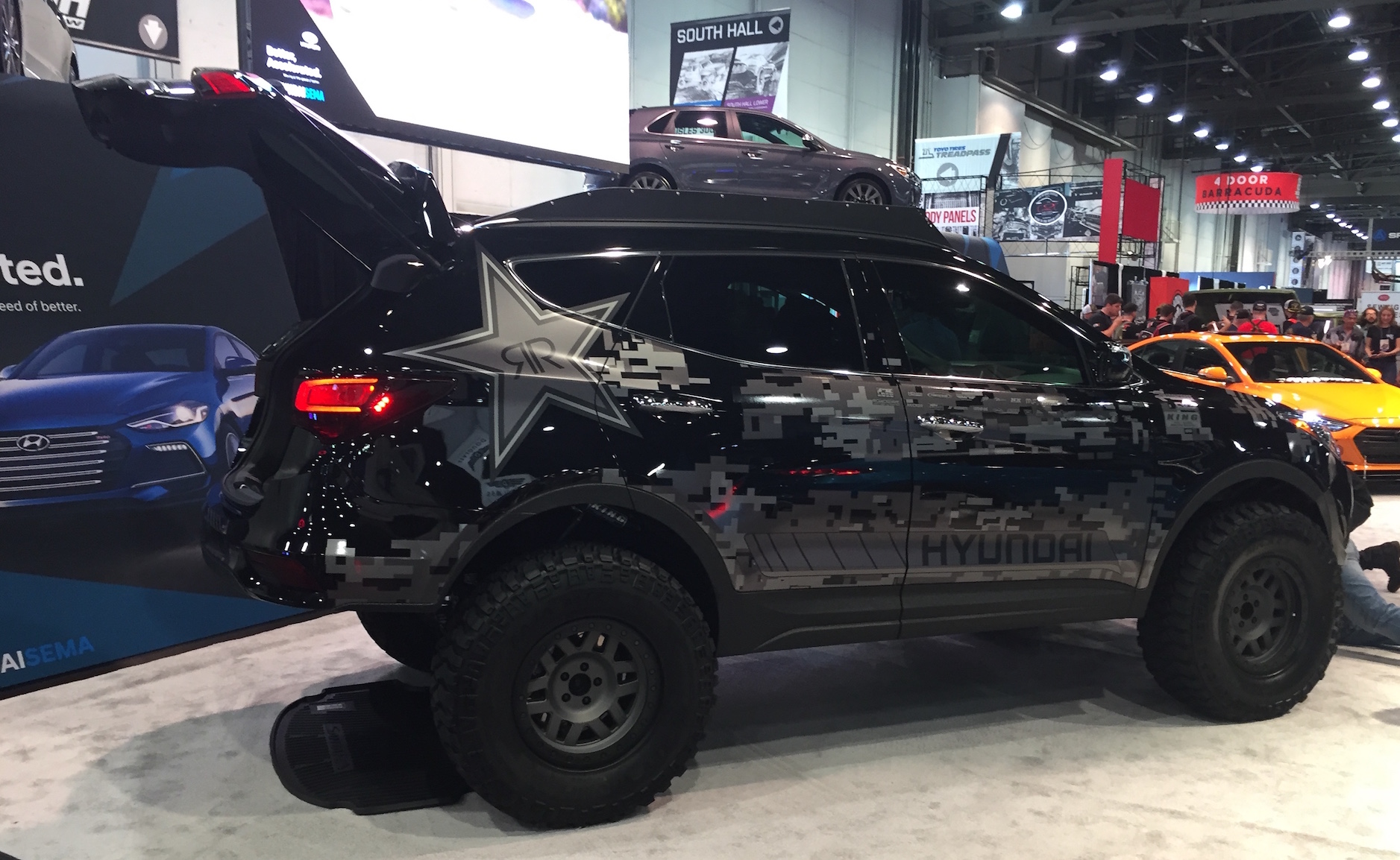 Hyundai Has Released Its First Tuner Concept For The 2017 Sema Show Rockstar Energy Moab Extreme Off Roader Santa Fe Sport