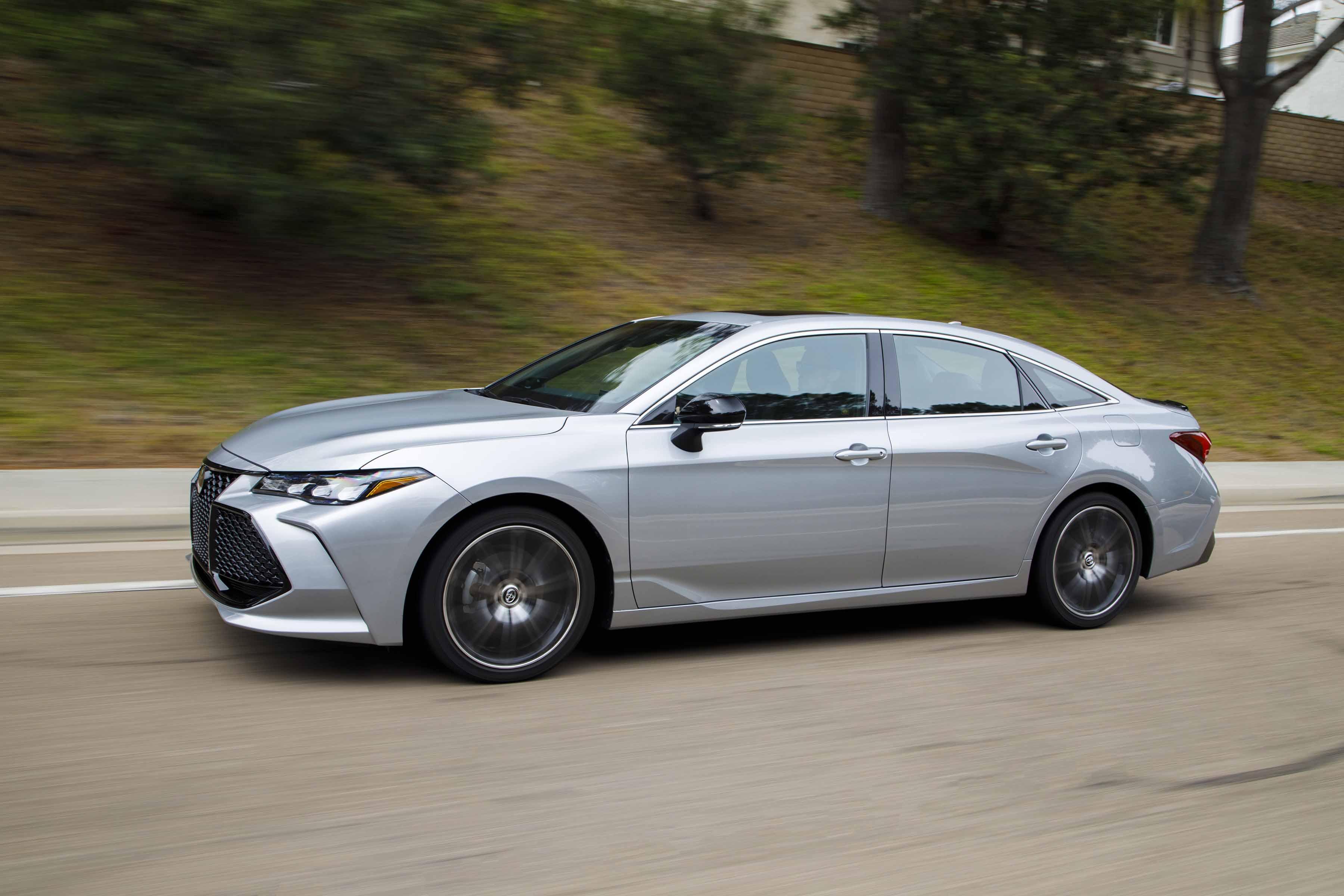 2019 Toyota Avalon Technological Beauty Automotive Rhythms